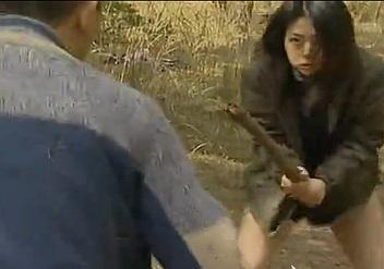 ジョギング女をレイプしようとするも抵抗されたので殴りつけて気絶させて犯す