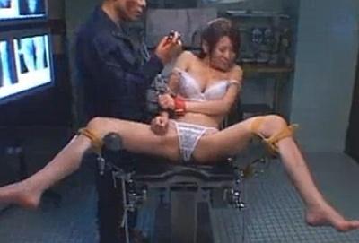 【長編】夫の目の前で犯される女医!巨乳を嬲られ徐々に堕ちていく