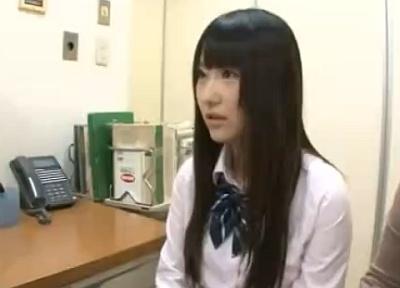 黒髪ロングヘアーのお嬢様女子校生が妊娠検査にやってきたので容赦なく中出しレイプ