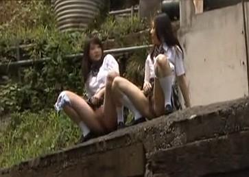 【長編】下校中に野ションしているアホな女子校生たちを盗撮したりレイプしたり