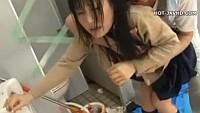 帰宅途中の女子校生が公園のトイレでガチレイプで中出しされ大号泣