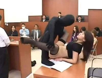 【長編】透明人間になって裁判所の女を丸ごと中出しレイプ!