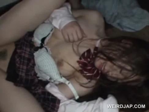 【閲覧注意】女子校生がズタボロに中出し輪姦レイプされてる……