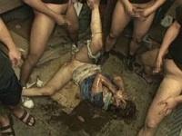 【レイプ】ボロッボロに犯されて涙目になってる女の子のエロ画像※心臓の弱い方は見ないで下さい