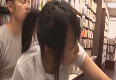 【長編】本屋に参考書を買いにやってきた真面目な女子校生にいきなり媚薬つきチ●ポを突っ込んでみたwwww