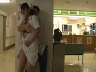 夜の病棟で狙われた巨乳看護師…