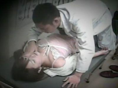 産婦人科で診察にきた女性患者を昏睡レイプする鬼畜医師