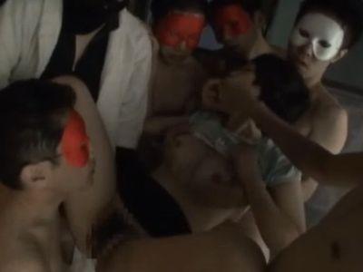 【長編】女子小●生を拉致監禁して集団レイプしている鬼畜映像がこちら…