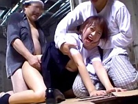 泣き叫ぶJC少女の未熟なカラダに群がるホームレスによる集団レイプ映像
