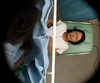 人妻を中出しレイプする悪徳産婦人科医wwwwww