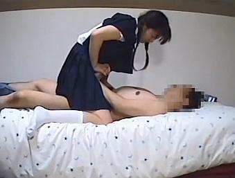家庭教師から処女を散らされて痛そうに犯される中●生www