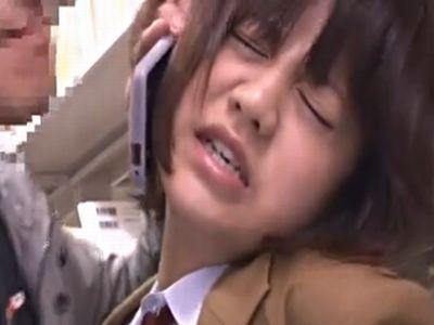 図書館で捕まえた女子校生を彼氏に電話させながらレイプ!