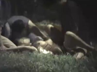 【鬼畜・ガチレイプ】夜道を一人で歩く女性に忍び寄るレイプ集団!
