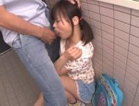同じマンションに住むJSロリ少女が無理矢理媚薬チンポを突っ込まれてレイプされる!