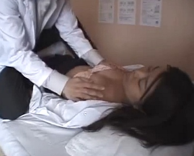 ロリ女子校生たちを眠らせて好き放題しちゃう鬼畜保健医wwww