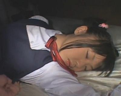 【長編・つぼみ】セーラー服の処女ロリっ子がレイプされまくる2時間wwww【中出し】