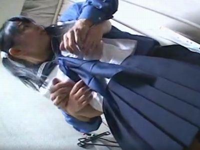 制服を試着中の女子校生が鬼畜店員にレイプされる一部始終