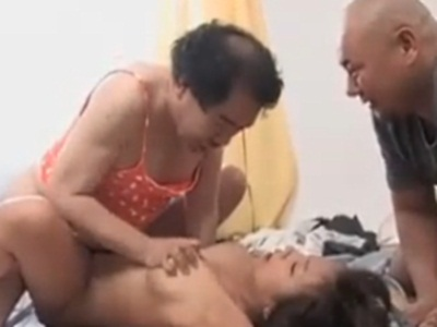 「このジャガイモ野郎!」生意気な男装女がヤクザたちに中出しされる