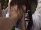 不良3人に下校中に青姦レ○プされる女子校生。力づくでハメられて中出し輪姦されてしまう