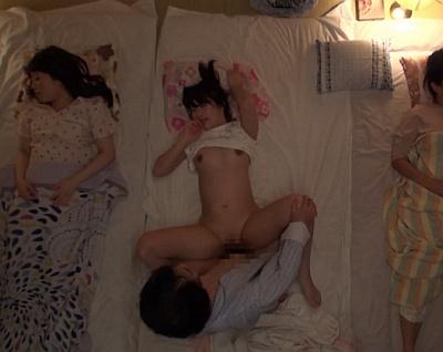 【長編】再婚相手の連れ子が美人女子校生姉妹!次女を夜這いレイプしてたら長女が起きていて……