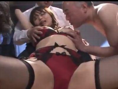 下着メーカーで働く美人OLをセクハラの末に輪姦レイプ!