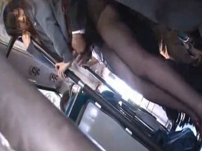 【長編】黒パンストを履いた美脚女子校生をあの手この手で何度もイカせて痴漢レイプ!