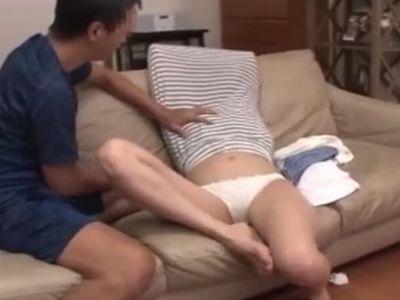 【長編】自宅に呼んだ家政婦のスカートめくって巾着中出しレイプ!