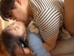 昏睡させた小●生の妹をガチ中出しレ●プしてるヤバイ映像
