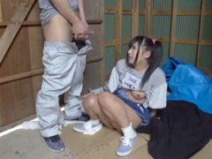 サイドテールで発育の良いロリ巨乳な少女を攫ってきてレ●プしちゃいますwww