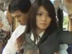 バス内にいる女性たちの時間を止めてOLをハメる男