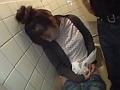 居酒屋のトイレで泥酔している女は好き放題レ●プして中出しできるwww