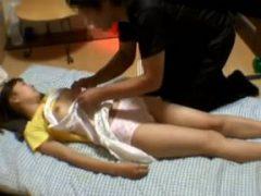 教え子のポニーテール小●生を眠らせてレ●プしてその様子をバッチリと撮影する鬼畜教師www