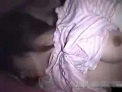 10代の女の子の部屋に隠しカメラを設置して夜這いレ●プする男www