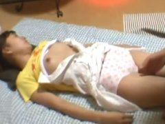 女子小●生を眠剤レ●プしている生々しい鬼畜映像が流出!