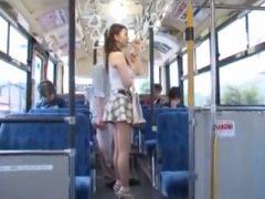 マイクロミニスカートを履いた美脚お姉さんがバスに乗った結果→即ハメ中出しレ●プされる