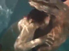 鬼畜な水中イラマチオ責め!プールでローターまで仕込まれるヤバすぎ巨乳ギャルレ●プ