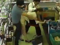 まさかこんな場所で!?スーパーで起きた中出しレ●プ事件が回避不可能過ぎるwwww