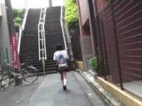 下校途中の女子校生を痴漢して走り去る男が鬼畜すぎる!