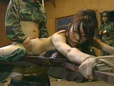 【胸糞注意】兵士が現地民をレ●プしてる画像貼ってく