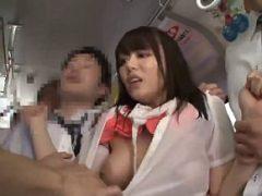 バスの中で透け透け巨乳ちゃんがイカされまくってイラマチオされるwww