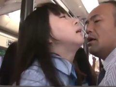 可愛すぎる女子校生をバスでチ●ンしたらまさかの結果がwwww