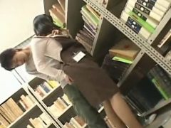 図書館で働くロリ巨乳ちゃんをチ●ンしてレ○プする鬼畜男wwww
