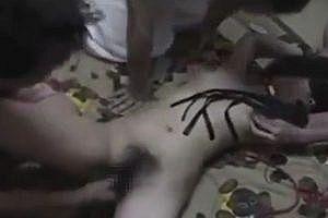 素人集団が撮影した輪姦動画がネットに出回っている件w