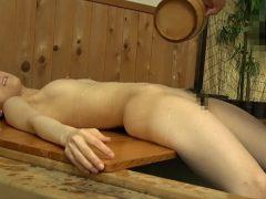 混浴温泉で美女を睡眠させてレ○プwwww