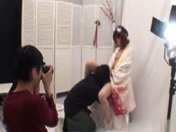 【無修正】成人式の記念写真撮影中にレイプされる女子大生